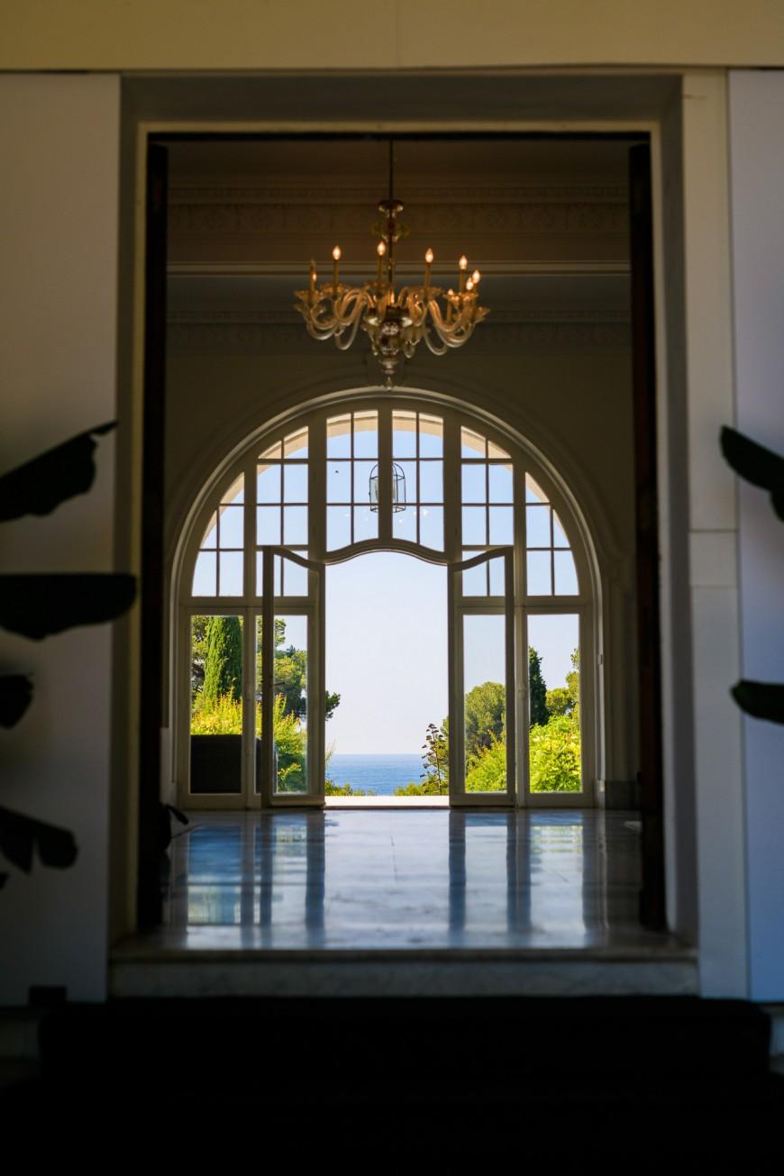 Antibes Luxury showroom (1)