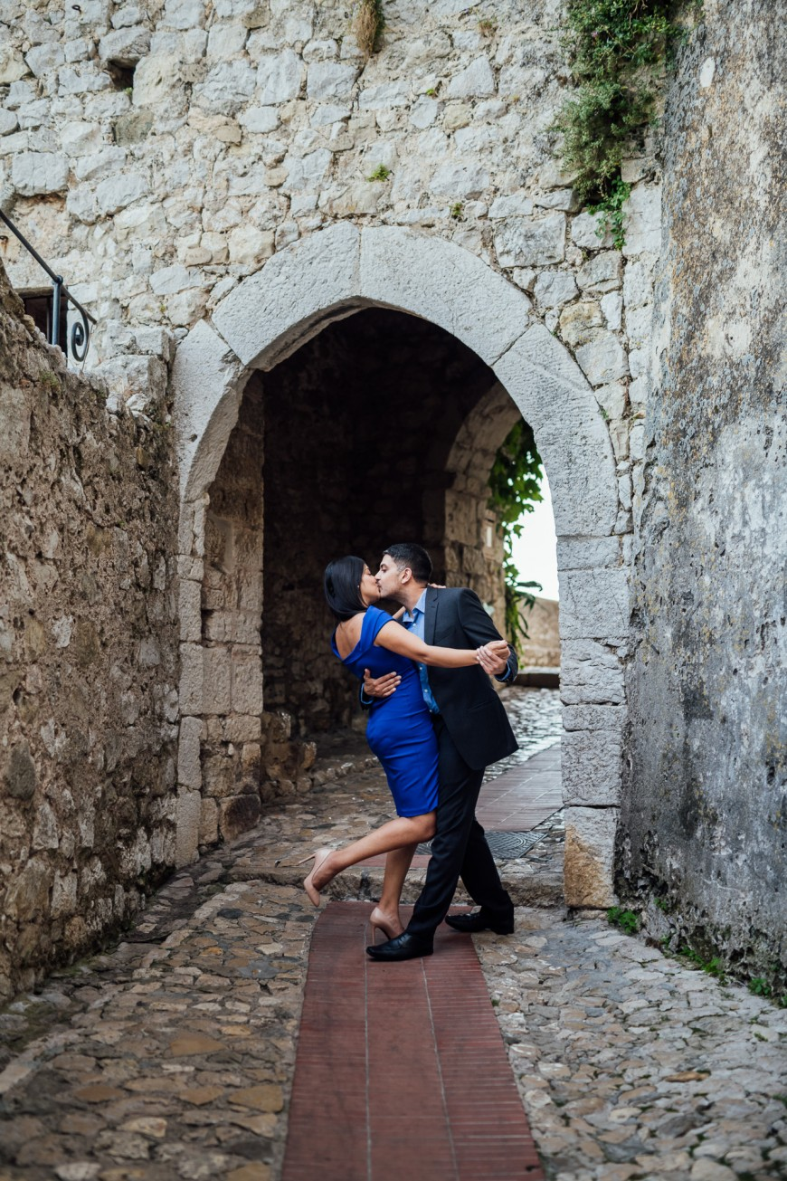surprise proposal photographer in Eze (12)